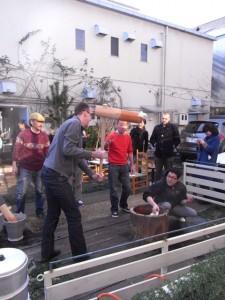 参加したスウェーデンの客人のへっぴり腰にビビる若手を指導するターセン
